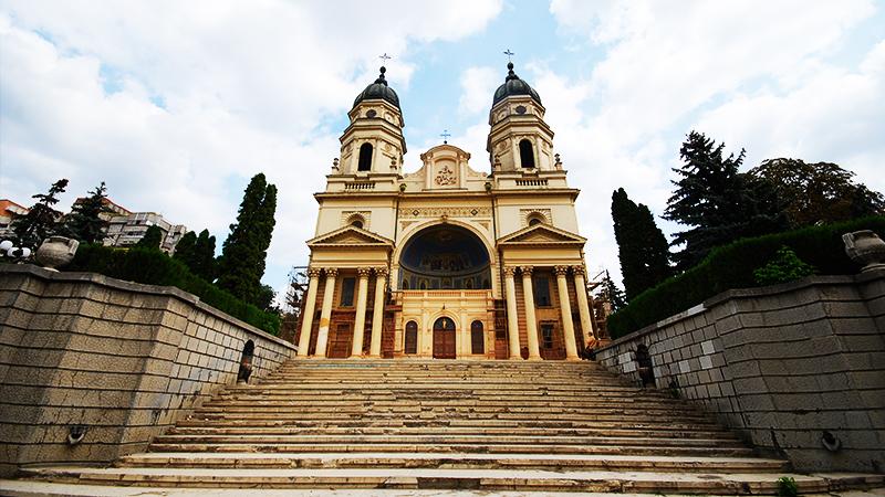Catedrala Mitropolitana din Iasi – Traducator.info